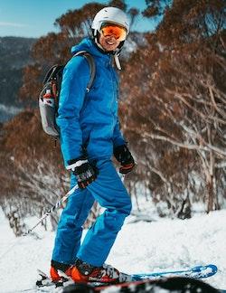 fahrradanhänger-skifahren-2