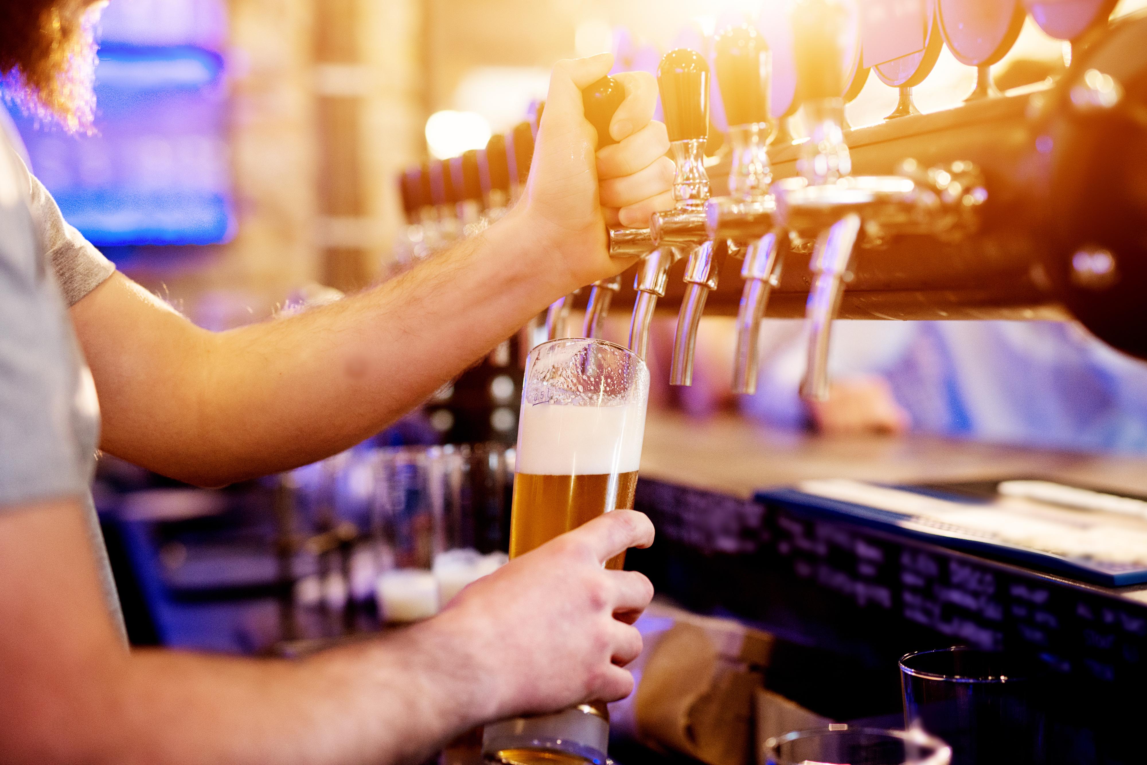 Zapfs/äule f/ür 3 Liter f/ür Bier und andere Getr/änke